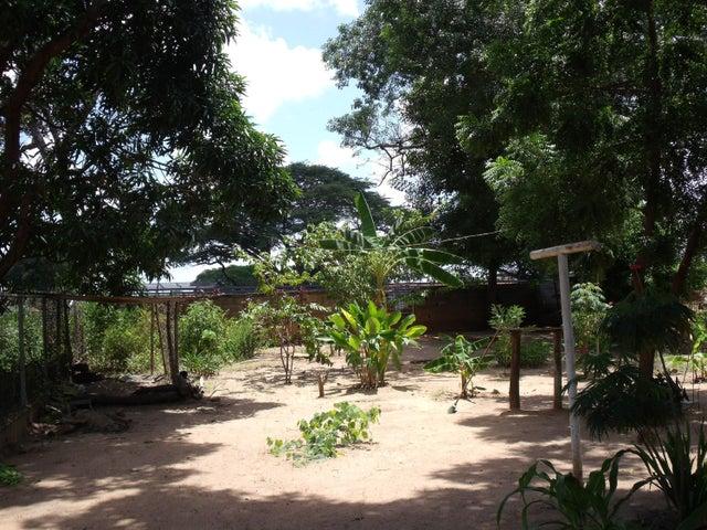 Terreno Bolivar>Ciudad Bolivar>Casco Central - Venta:0 Bolivares Fuertes - codigo: 15-12517