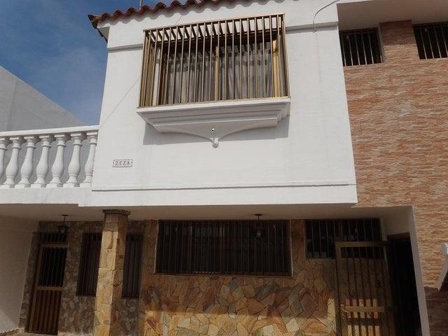 Casa Vargas>Catia La Mar>La colina de Catia la mar - Venta:67.895.000.000 Bolivares - codigo: 15-12529