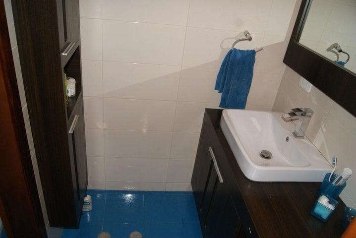 Apartamento Distrito Metropolitano>Caracas>Escampadero - Venta:188.089.000.000 Precio Referencial - codigo: 15-12620