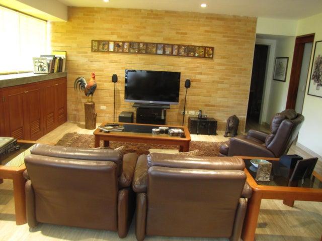 Casa Distrito Metropolitano>Caracas>Oripoto - Venta:182.273.000.000 Bolivares - codigo: 15-12736