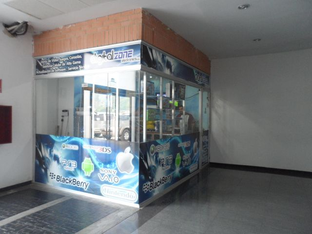 Local Comercial Carabobo>Municipio Naguanagua>Las Quintas - Venta:485.000.000 Bolivares - codigo: 15-12735