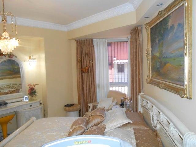 Apartamento Lara>Barquisimeto>Zona Este - Venta:57.721.000.000 Precio Referencial - codigo: 15-12967