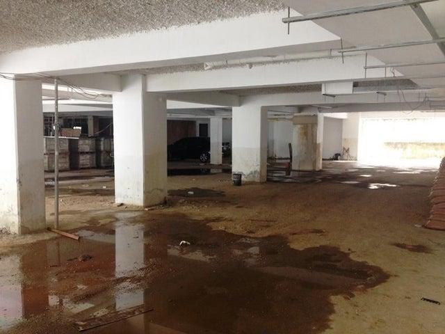 Apartamento Carabobo>Valencia>Sabana Larga - Venta:67.850.000 Bolivares Fuertes - codigo: 15-12779