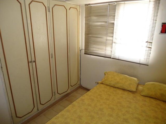 Apartamento Distrito Metropolitano>Caracas>Lomas del Avila - Venta:33.590.000.000 Precio Referencial - codigo: 15-12820