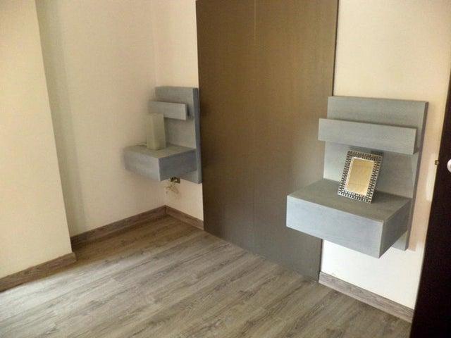 Apartamento Zulia>Maracaibo>Avenida Bella Vista - Venta:20.769.000.000 Bolivares Fuertes - codigo: 15-12853