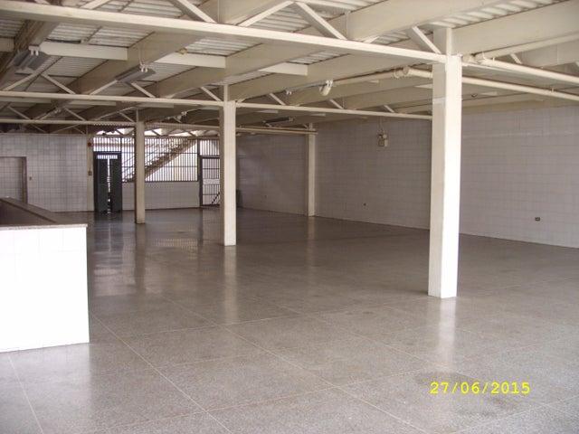 Local Comercial Distrito Metropolitano>Caracas>Catia - Venta:686.325.000.000 Precio Referencial - codigo: 15-13042