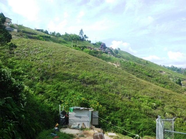 Terreno Distrito Metropolitano>Caracas>El Hatillo - Venta:11.655.000.000 Bolivares - codigo: 15-12957