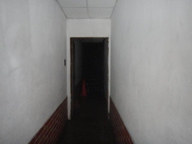 Casa Distrito Metropolitano>Caracas>Cementerio - Venta:23.094.000.000 Bolivares - codigo: 15-13148