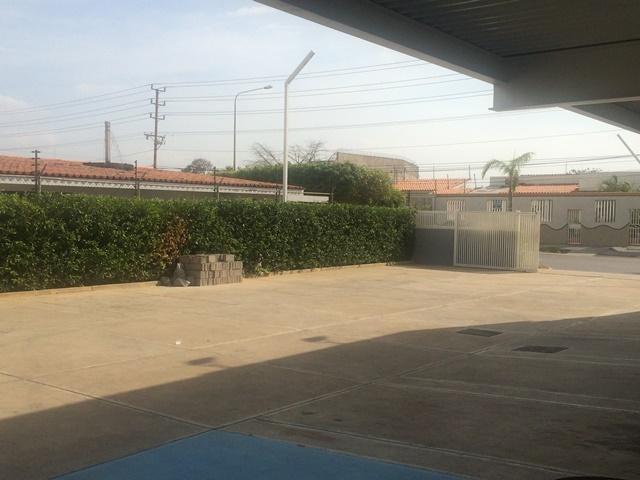 Local Comercial Zulia>Maracaibo>Cantaclaro - Venta:139.773.000.000 Precio Referencial - codigo: 15-13056