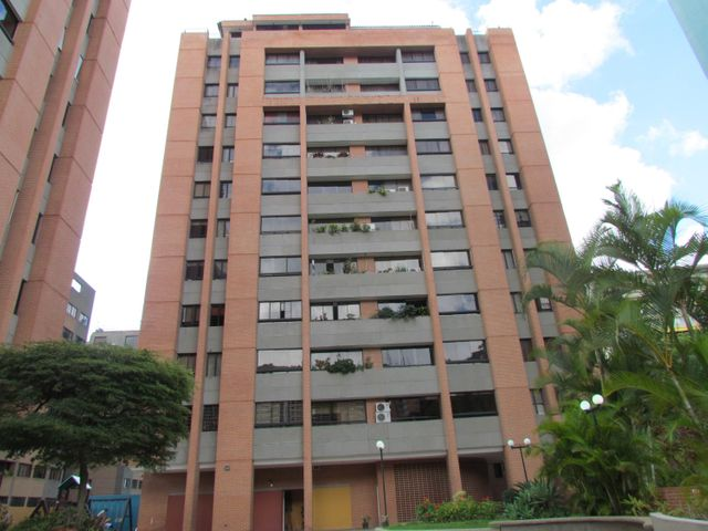 Apartamento Distrito Metropolitano>Caracas>Las Esmeraldas - Venta:103.823.000.000 Precio Referencial - codigo: 15-13149