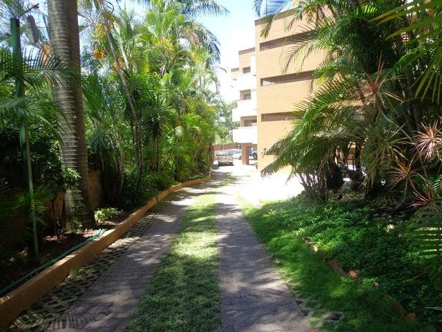 Apartamento Distrito Metropolitano>Caracas>Santa Rosa de Lima - Venta:138.656.000.000 Precio Referencial - codigo: 15-13342