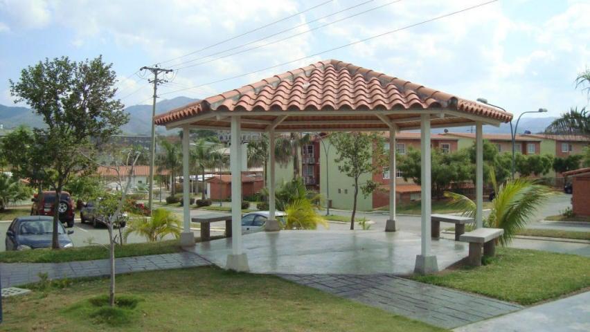Apartamento Miranda>Guatire>Alto Grande - Venta:6.720.000.000 Bolivares Fuertes - codigo: 15-13204