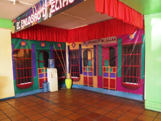 Local Comercial Zulia>Municipio San Francisco>Sierra Maestra - Venta:13.844.000.000 Bolivares - codigo: 15-13212