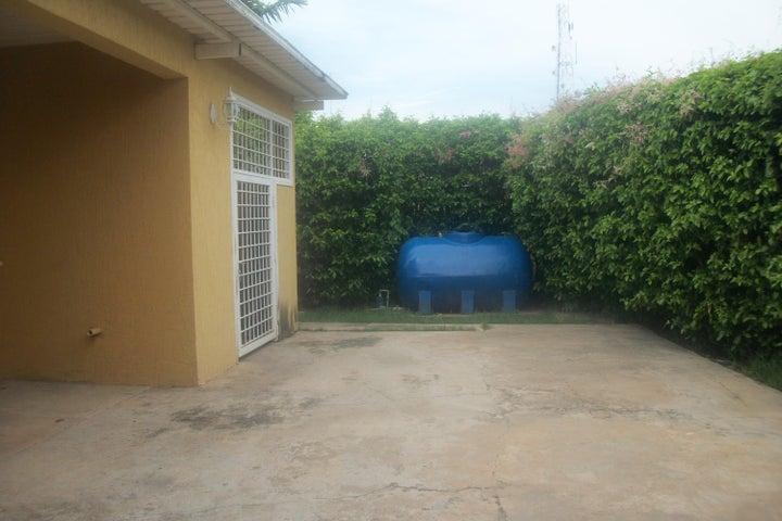 Casa Zulia>Ciudad Ojeda>Avenida Bolivar - Venta:470.578.000.000 Precio Referencial - codigo: 15-13323