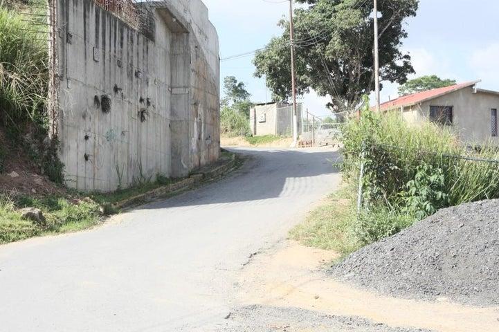 Terreno Distrito Metropolitano>Caracas>Los Robles - Venta:31.297.000.000 Precio Referencial - codigo: 15-13306