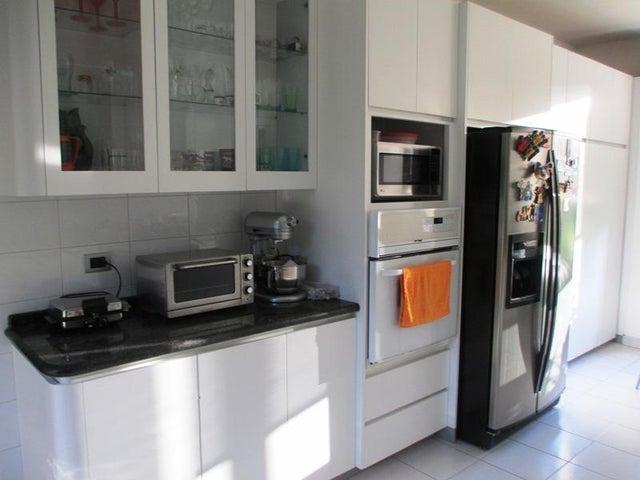 Apartamento Distrito Metropolitano>Caracas>La Castellana - Venta:348.114.000.000 Precio Referencial - codigo: 15-13422