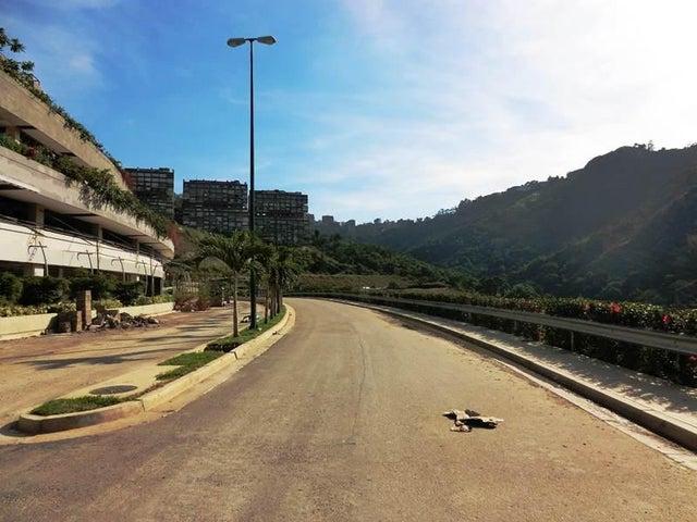 Local Comercial Distrito Metropolitano>Caracas>Los Naranjos del Cafetal - Venta:740.000 US Dollar - codigo: 15-13424