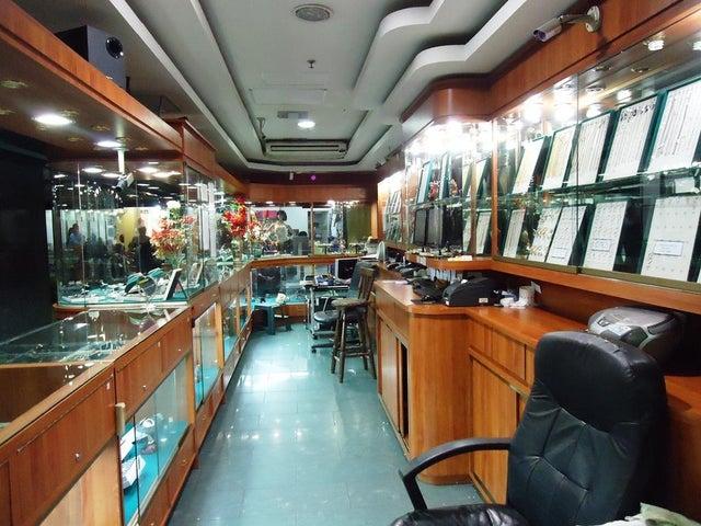 Local Comercial Miranda>Guatire>Buenaventura - Venta:21.908.000.000 Precio Referencial - codigo: 15-13310
