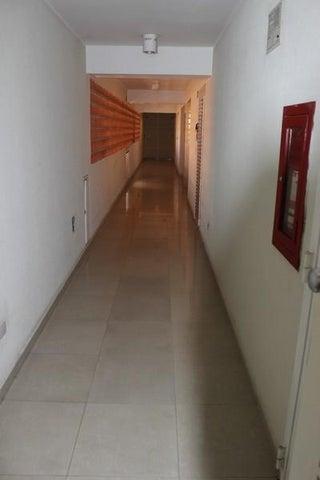Apartamento Distrito Metropolitano>Caracas>El Rosal - Venta:293.250.000 Bolivares Fuertes - codigo: 15-13356