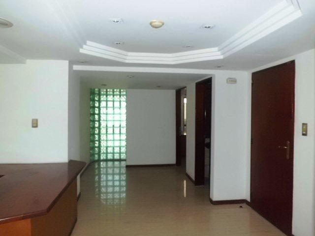 Edificio Distrito Metropolitano>Caracas>Colinas de Bello Monte - Venta:34.800.000.000 Bolivares - codigo: 15-13448