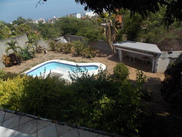 Casa Vargas>Parroquia Caraballeda>Caribe - Venta:975.000.000 Bolivares - codigo: 15-13157