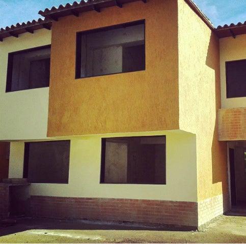 Casa Distrito Metropolitano>Caracas>Lomas de Monte Claro - Venta:93.182.000.000 Precio Referencial - codigo: 15-13464