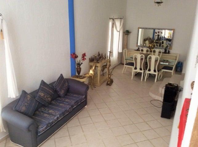 Casa Miranda>Los Teques>Municipio Guaicaipuro - Venta:239.497.000.000 Precio Referencial - codigo: 15-13471