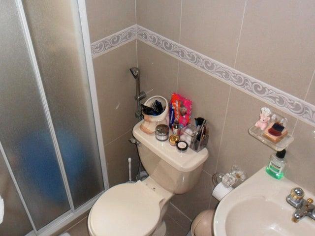 Apartamento Distrito Metropolitano>Caracas>El Cafetal - Venta:183.218.000.000 Precio Referencial - codigo: 15-13552