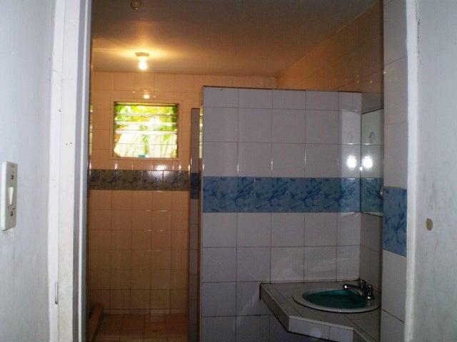 Casa Distrito Metropolitano>Caracas>Chuao - Venta:550.000 Precio Referencial - codigo: 15-13594