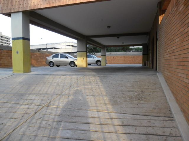 Apartamento Zulia>Maracaibo>Valle Frio - Venta:6.461.000.000 Bolivares Fuertes - codigo: 15-13625