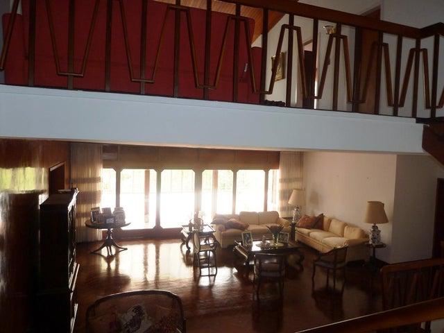 Casa Distrito Metropolitano>Caracas>Colinas de Bello Monte - Venta:492.017.000.000 Precio Referencial - codigo: 15-13621