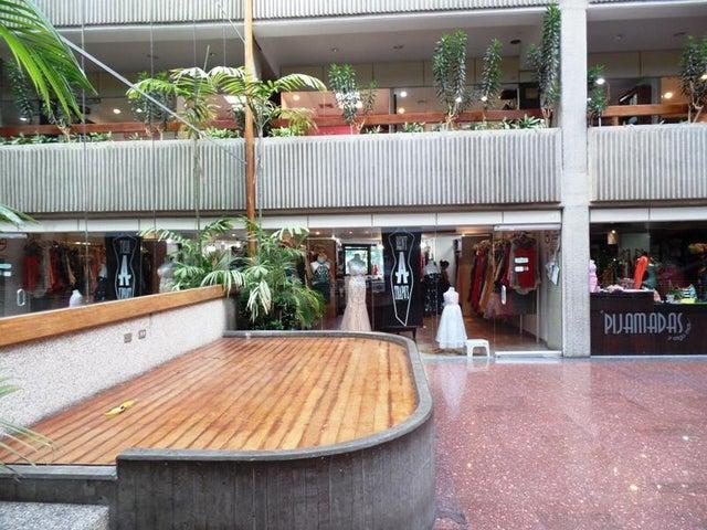 Negocios y Empresas Distrito Metropolitano>Caracas>La Trinidad - Venta:41.928.408.000.000 Bolivares - codigo: 15-13703