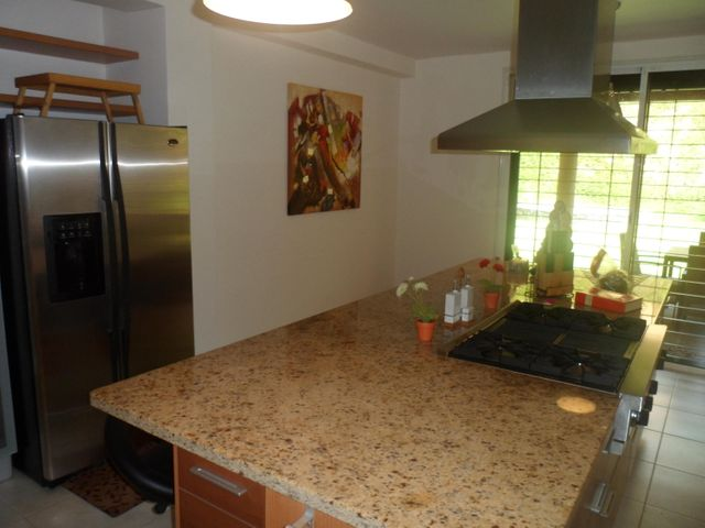 Casa Distrito Metropolitano>Caracas>Oripoto - Venta:232.076.000.000 Bolivares - codigo: 15-13749
