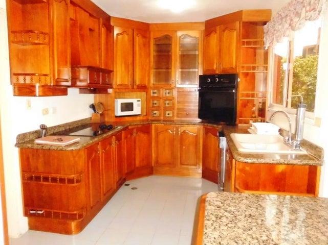 Apartamento Distrito Metropolitano>Caracas>Colinas de Valle Arriba - Venta:69.069.000.000 Bolivares Fuertes - codigo: 15-13773