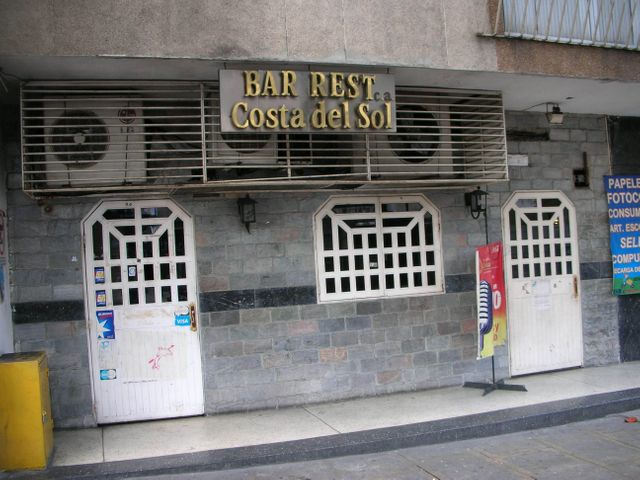 Local Comercial Distrito Metropolitano>Caracas>Chacao - Venta:395.706.000.000 Precio Referencial - codigo: 15-13833