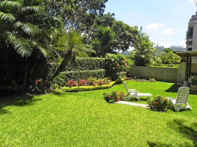 Apartamento Distrito Metropolitano>Caracas>Colinas de Valle Arriba - Venta:694.207.000.000 Precio Referencial - codigo: 15-13907