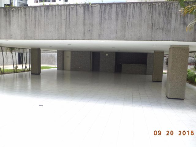 Apartamento Distrito Metropolitano>Caracas>Los Dos Caminos - Venta:4.160.000.000 Bolivares Fuertes - codigo: 15-12878