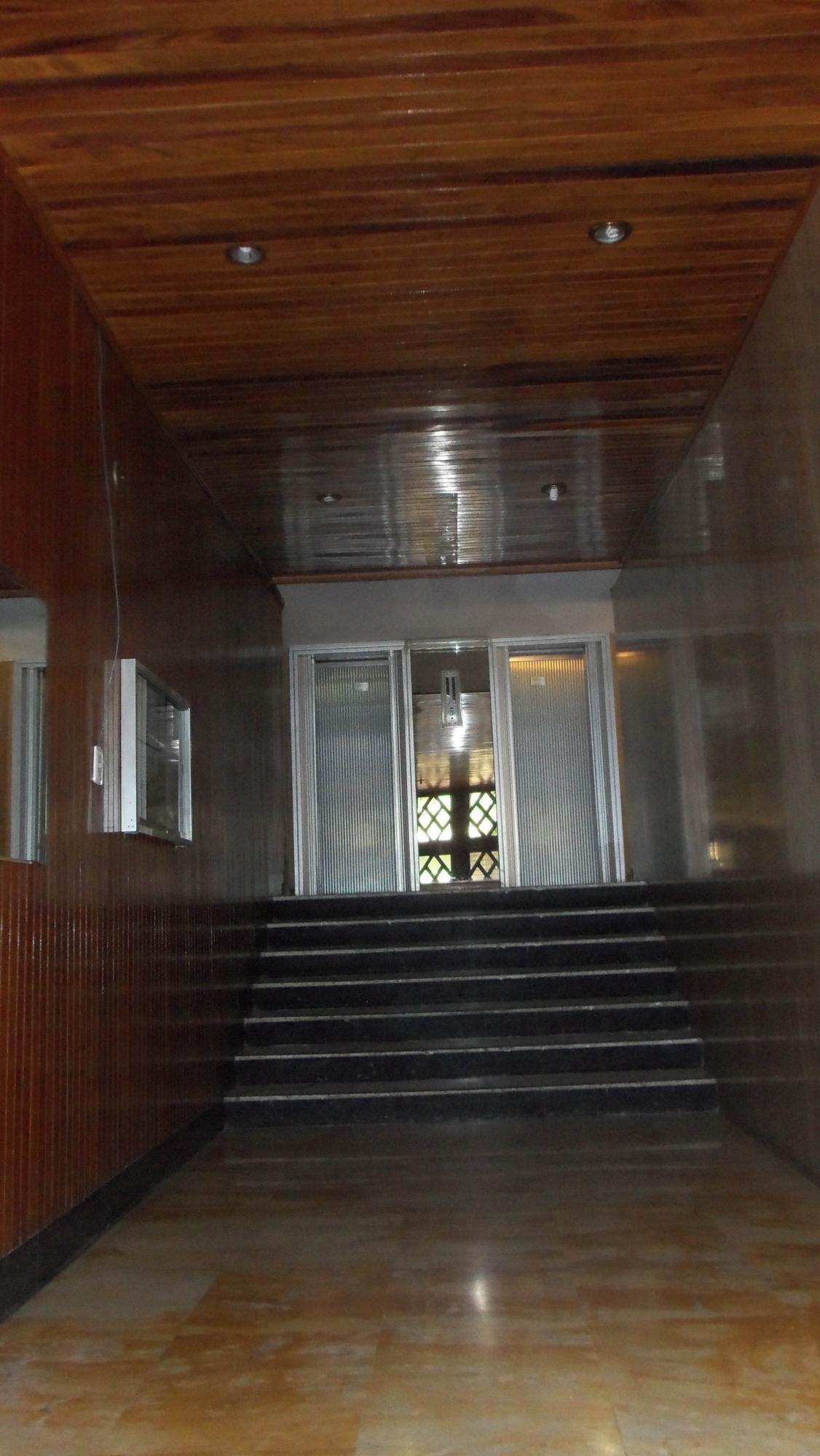 Apartamento Distrito Metropolitano>Caracas>Colinas de Bello Monte - Venta:12.447.000.000 Bolivares Fuertes - codigo: 15-13960