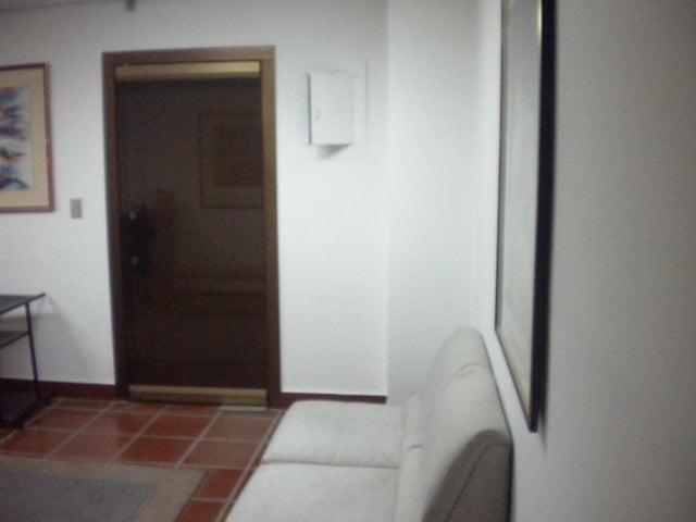 Oficina Distrito Metropolitano>Caracas>Parroquia Catedral - Venta:14.711.000.000 Bolivares - codigo: 15-13968