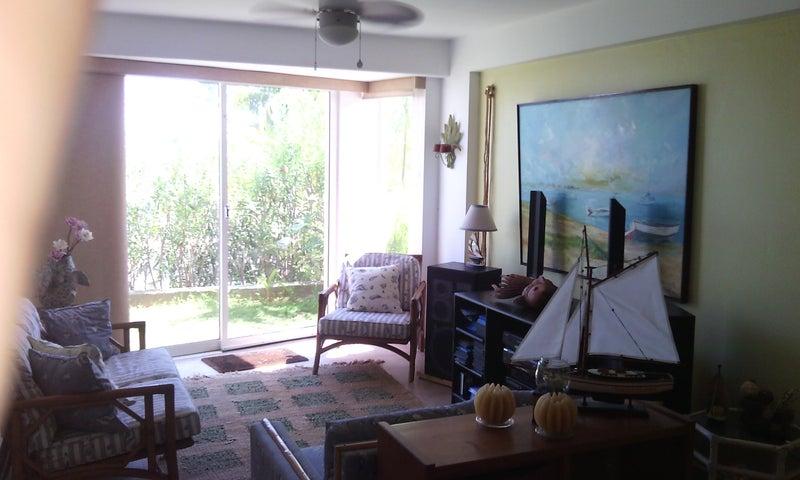 Apartamento Miranda>Higuerote>Carenero - Venta:30.536.000.000 Precio Referencial - codigo: 15-13987