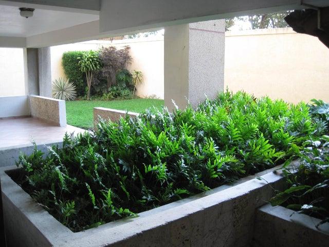 Apartamento Lara>Barquisimeto>Club Hipico Las Trinitarias - Venta:130.000.000 Bolivares Fuertes - codigo: 15-14038