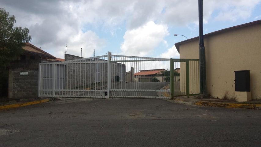 Casa Distrito Metropolitano>Caracas>El Hatillo - Venta:158.789.000.000 Precio Referencial - codigo: 15-14065