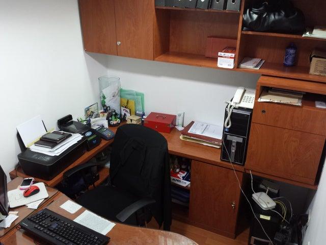Negocios y Empresas Distrito Metropolitano>Caracas>Terrazas del Club Hipico - Venta:138.536.003.000.000 Bolivares - codigo: 15-14464