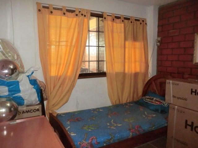 Casa Miranda>Guatire>Valle Arriba - Venta:22.242.000.000 Precio Referencial - codigo: 15-14697
