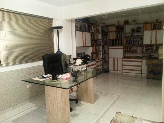 Casa Distrito Metropolitano>Caracas>Colinas de Vista Alegre - Venta:122.145.000.000 Precio Referencial - codigo: 15-14273