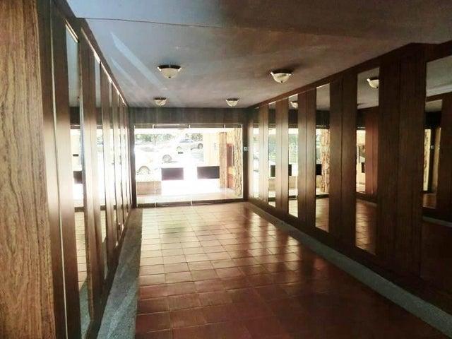 Apartamento Distrito Metropolitano>Caracas>La Tahona - Venta:89.789.000.000 Precio Referencial - codigo: 15-14277