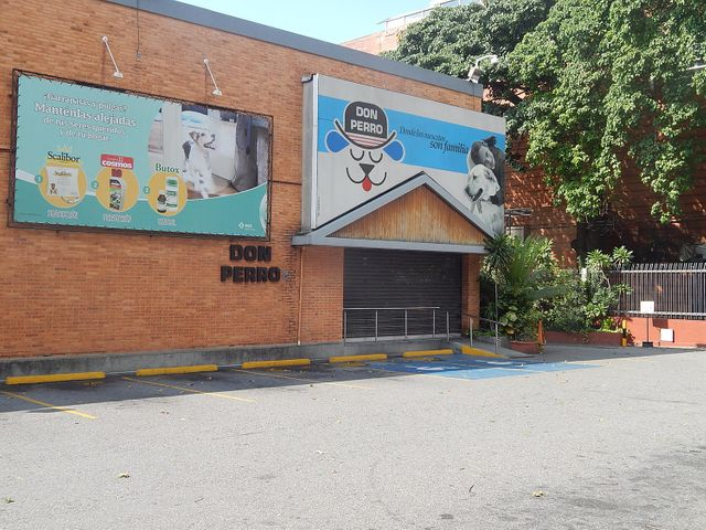 Terreno Distrito Metropolitano>Caracas>La Castellana - Venta:3.495.174.000.000 Precio Referencial - codigo: 15-14371