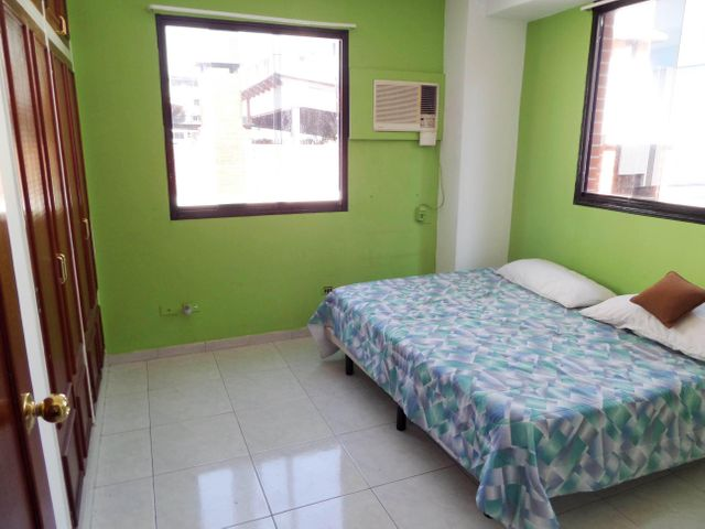 Apartamento Aragua>Maracay>La Soledad - Venta:180.000 US Dollar - codigo: 15-14521