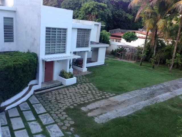 Casa Distrito Metropolitano>Caracas>Macaracuay - Venta:103.844.000.000 Bolivares - codigo: 15-14533