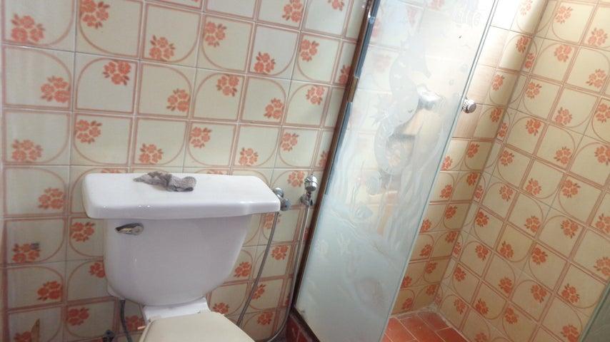 Apartamento Distrito Metropolitano>Caracas>Parroquia La Candelaria - Venta:8.058.000.000 Bolivares Fuertes - codigo: 15-14547